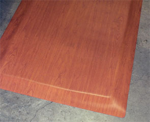 Wood Look Anti-fatigue Mat, Wild Cherry Color